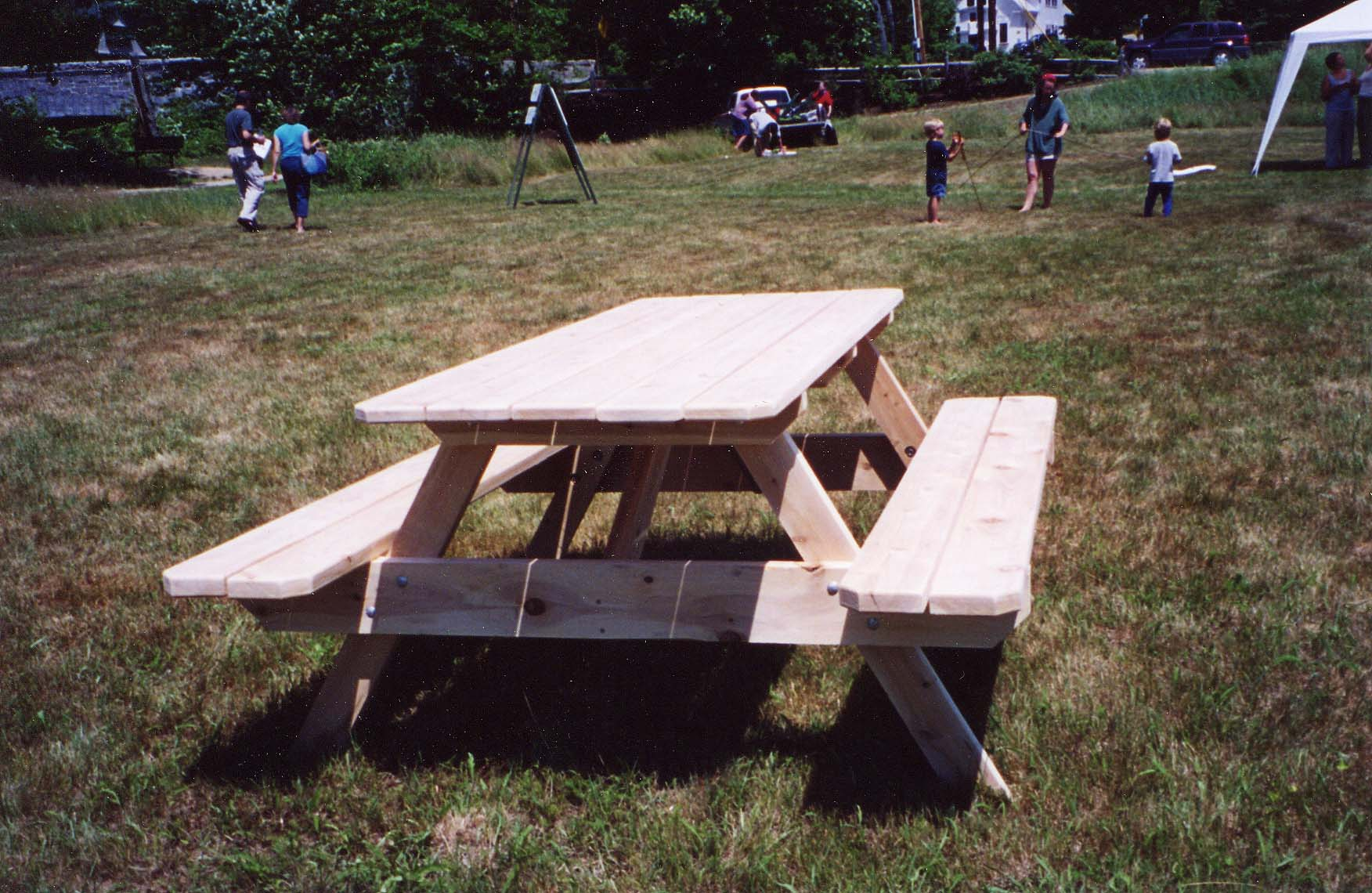 picnictable.jpg